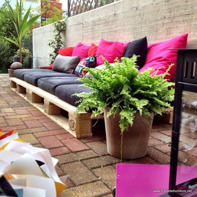 Palety w ogrodzie inspiracje zdj cia porady ogrodnik - Plan salon de jardin en palette ...