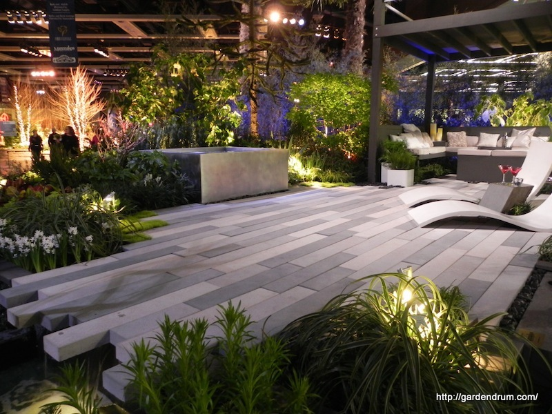 Beton w ogrodzie murki ciany rze by nawierzchnie for Concrete garden designs